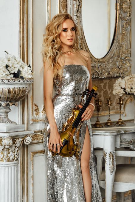 INGA NOVAK - скрипичное шоу, электроскрипка - Музыкант-инструменталист  - Москва - Московская область photo