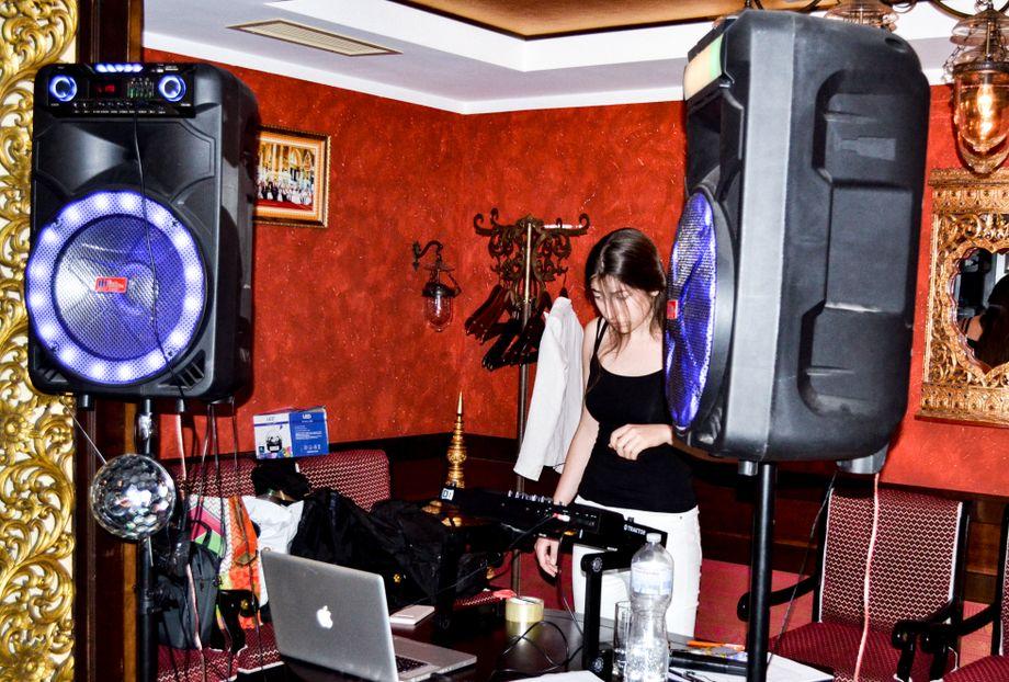 Диджeй в Одессe - Ведущий или тамада Музыкальная группа Ди-джей  - Одесса - Одесская область photo