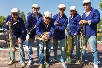 Tinto Brass Band - Музыкальная группа Ансамбль  - Москва - Московская область photo