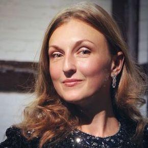 Закажите выступление Анастасия Макарова и музыканты на свое мероприятие в Киев