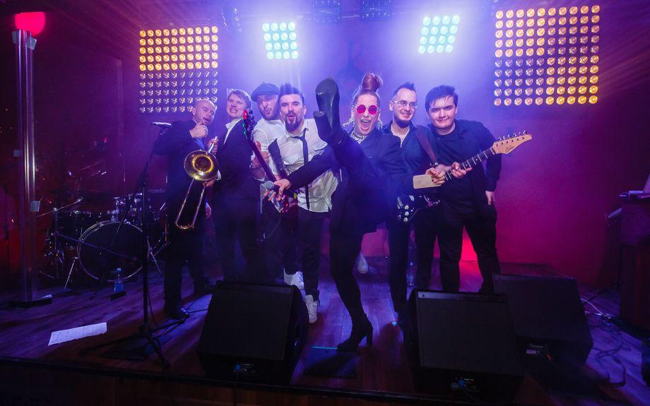 Кайфуем! - Музыкальная группа Оригинальный жанр или шоу  - Москва - Московская область photo