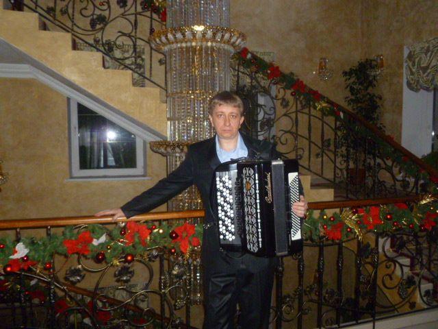 Геннадий - Музыкант-инструменталист Певец  - Киев - Киевская область photo