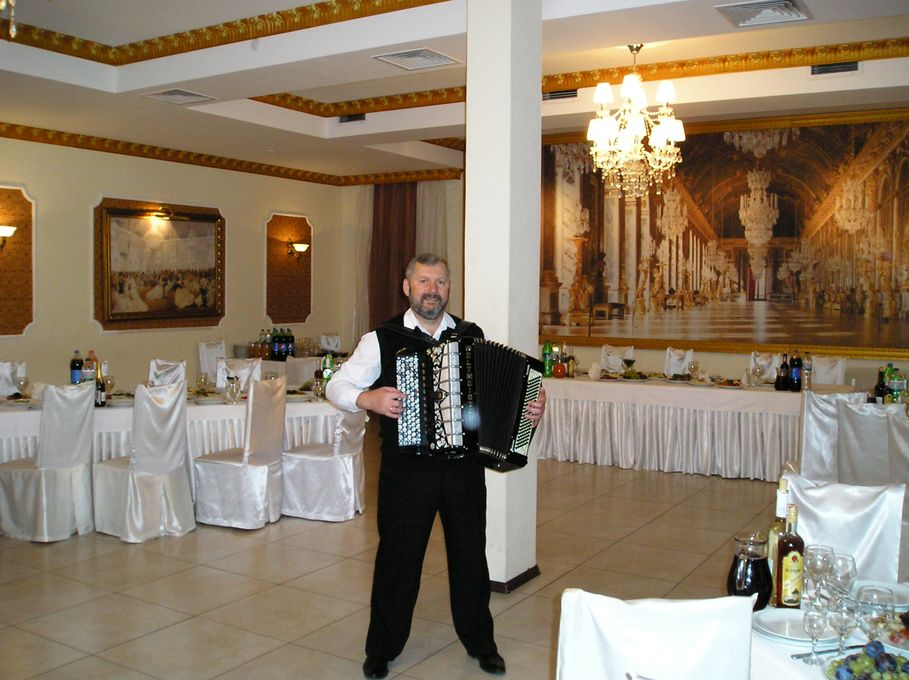 Константин Милевский - Ведущий или тамада Музыкант-инструменталист Певец  - Киев - Киевская область photo