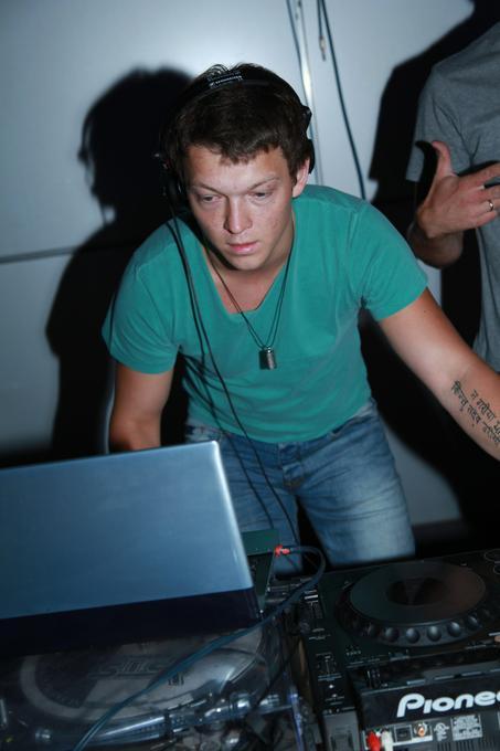 Grigory Melikhov - Ди-джей  -  -  photo
