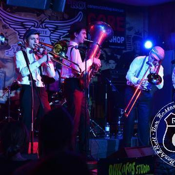 Spring Brass - Музыкальная группа , Киев,  Кавер группа, Киев Джаз группа, Киев Блюз группа, Киев Поп группа, Киев