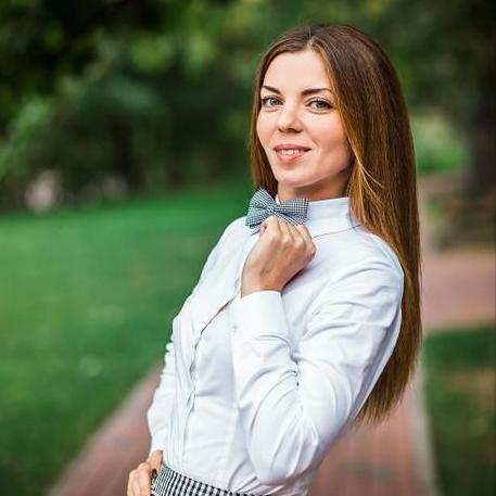 Закажите выступление Ведущая (NO Тамада) Олеся Науменко на свое мероприятие в Днепр