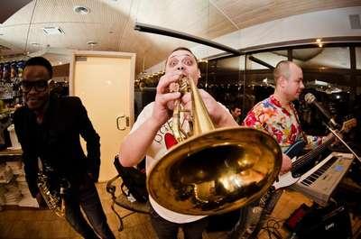 Закажите выступление Little Band на свое мероприятие в Алчевск