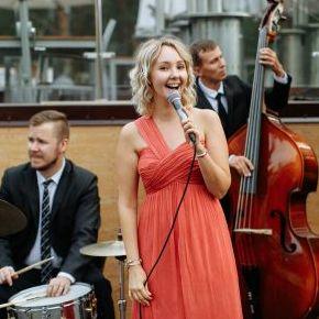 Закажите выступление Holidays Band на свое мероприятие в Санкт-Петербург