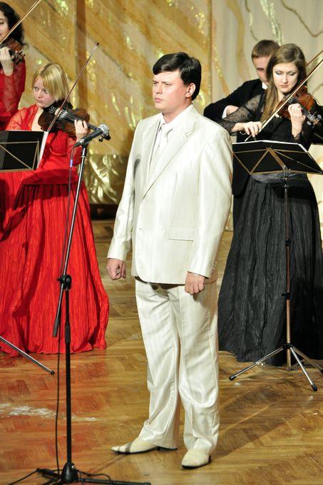 Александр Рябенко - Ведущий или тамада Певец  - Киев - Киевская область photo