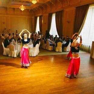 """Закажите выступление Студия индийского танца  """"Арти Бхарат Джан"""" на свое мероприятие в Одесса"""