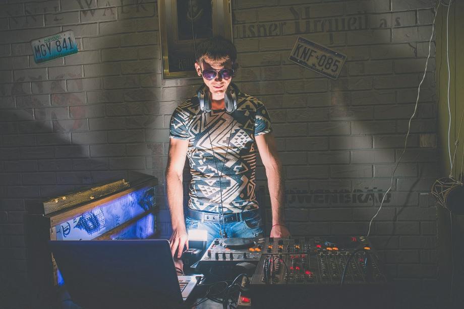 DJ - Ди-Джей - Александр Пресняков - Ди-джей Певец  - Одесса - Одесская область photo