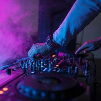 DJ ZAVADA - Ди-джей , Львов,  Поп ди-джей, Львов House Ди-джей, Львов Ди-джей 90ые, Львов Deep house Ди-джей, Львов