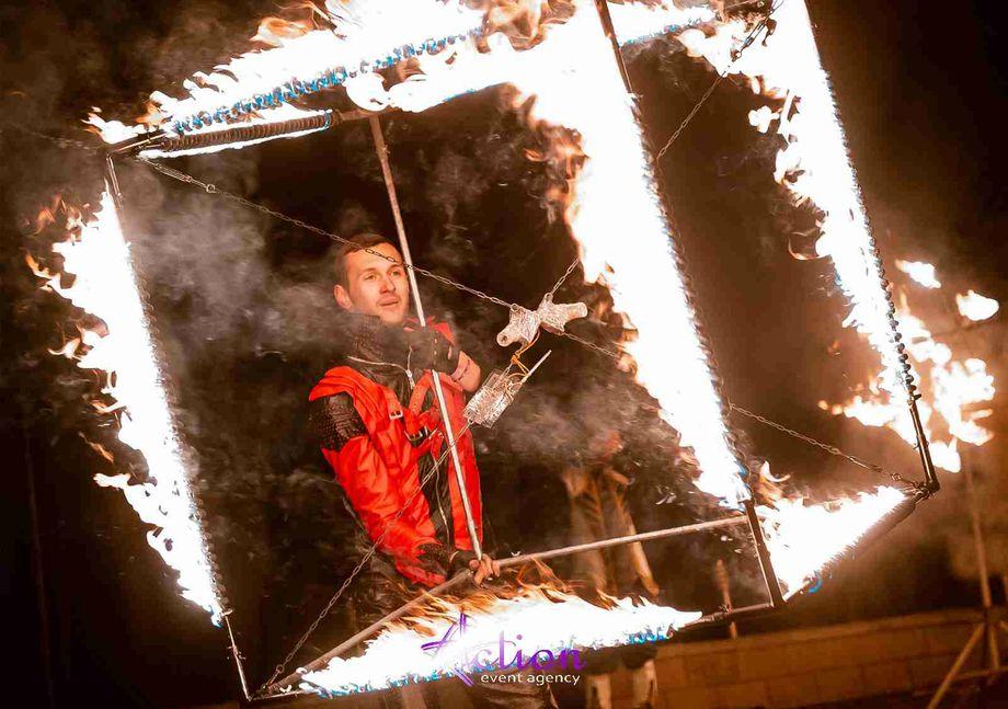 Фаер шоу Action Днепр - самое крутое огненное шоу - Танцор Оригинальный жанр или шоу Организация праздников под ключ  - Днепр - Днепропетровская область photo