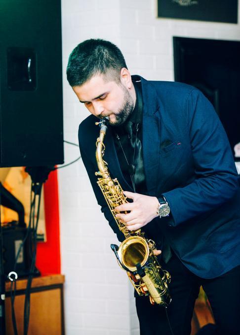 Станислав Листопад (саксофонист, ведущий, шоумен) - Музыкант-инструменталист  - Киев - Киевская область photo