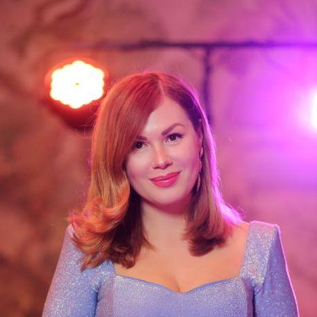 Закажите выступление Ведущая Виктория Ткаченко на свое мероприятие в Киев