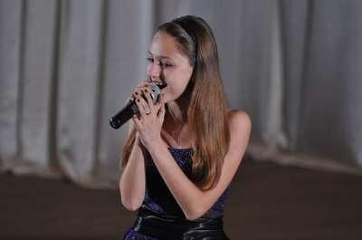 Алиса Сова - Певец , Киев,  Рок певец, Киев Поп певец, Киев Дуэт певцов, Киев