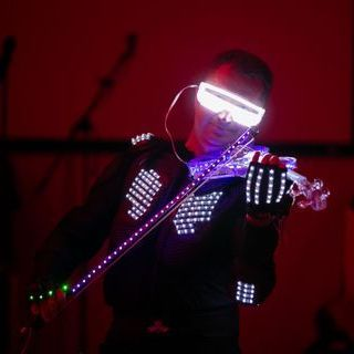 LED-шоу На Скрипке - Музыкант-инструменталист , Киев, Оригинальный жанр или шоу , Киев,  Скрипач, Киев