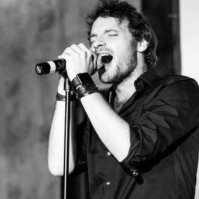 Paul Manandise - Певец , Киев,  Поп певец, Киев Певец авторской песни, Киев Рок певец, Киев
