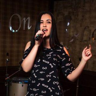 Закажите выступление Кристинa на свое мероприятие в Одесса