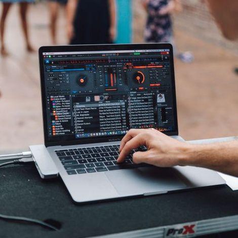 Закажите выступление Владимир (DJ Mantis) на свое мероприятие в Днепр