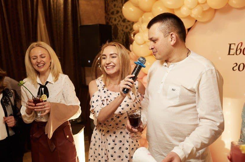 Дарьяна Коляденко - Ведущий или тамада Ди-джей Организация праздничного банкета Организация праздников под ключ  - Киев - Киевская область photo