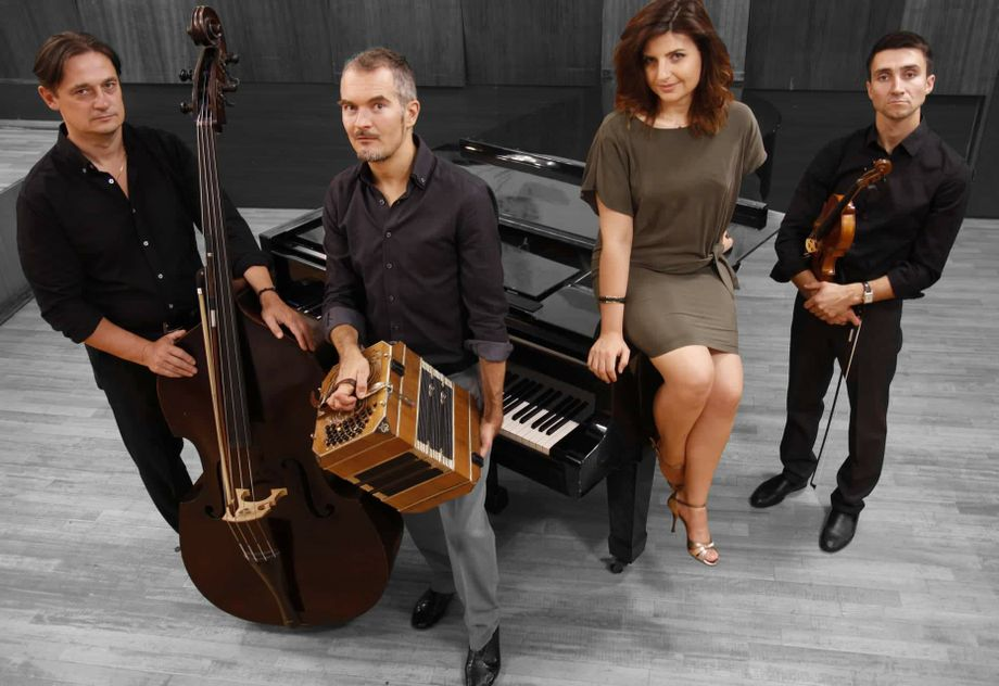 Trinidad Arfó - Музыкальная группа Ансамбль  - Киев - Киевская область photo