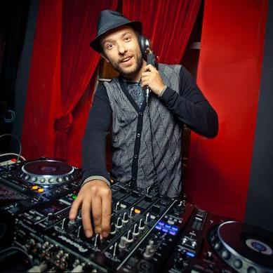 Закажите выступление DJ Слава на свое мероприятие в Москва