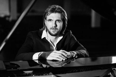 Закажите выступление Павел Андреев на свое мероприятие в Санкт-Петербург