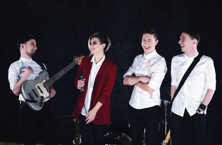 In White cover band - Музыкальная группа  - Киев - Киевская область photo