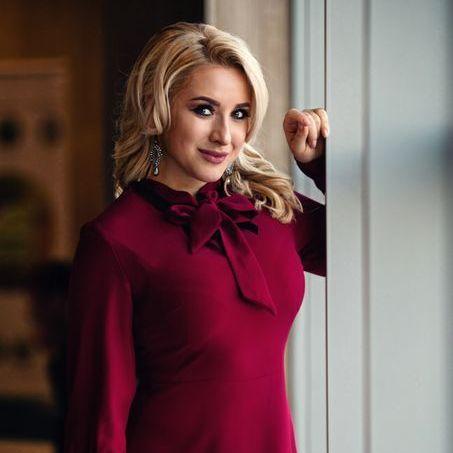 Закажите выступление Катя Красникова на свое мероприятие в Киев