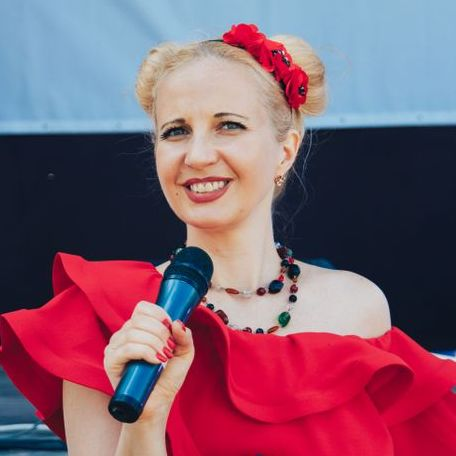 Закажите выступление Творческая ведущая Виктория на свое мероприятие в Харьков