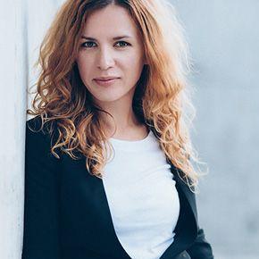 Закажите выступление Ольга Омельницкая на свое мероприятие в Запорожье