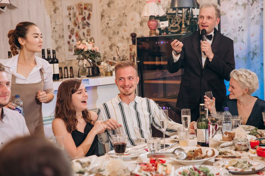 Александр Дымов - ведущий на свадьбу - Ведущий или тамада Ди-джей Организация праздничного банкета  - Москва - Московская область photo