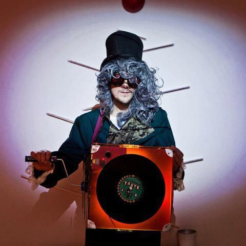 Neo-шарманщик - оригинальный музыкант на welcome, встречу (сбор) гостей - Музыкант-инструменталист , Москва,